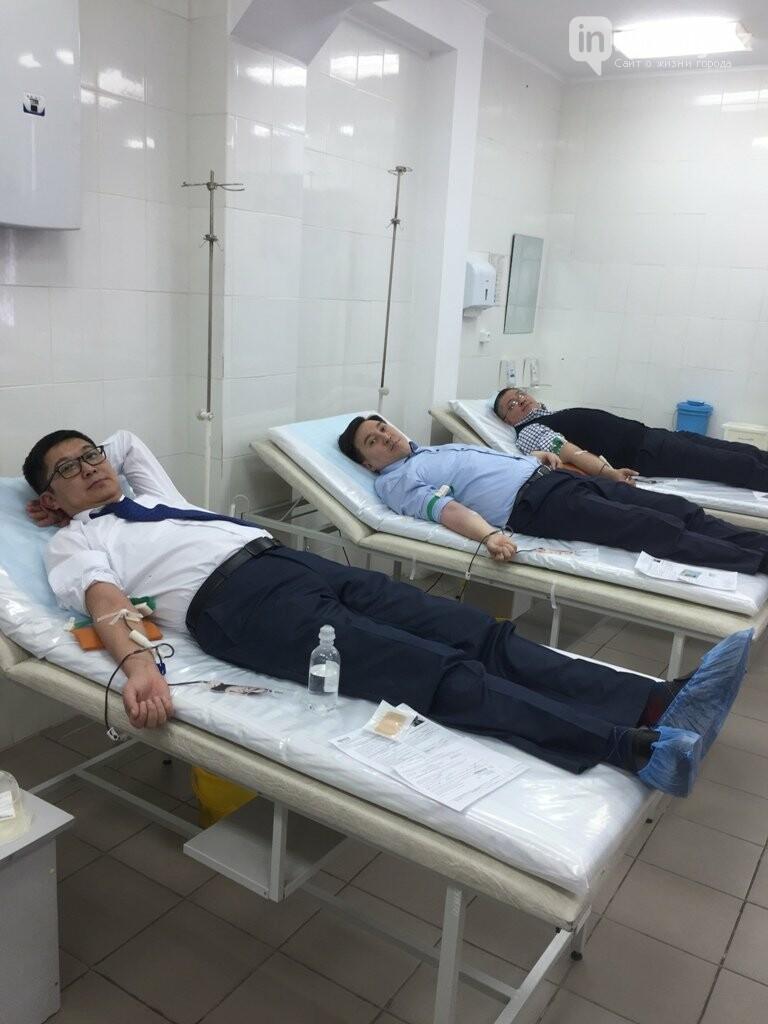 Главный медик Алматы стал донором крови, фото-1