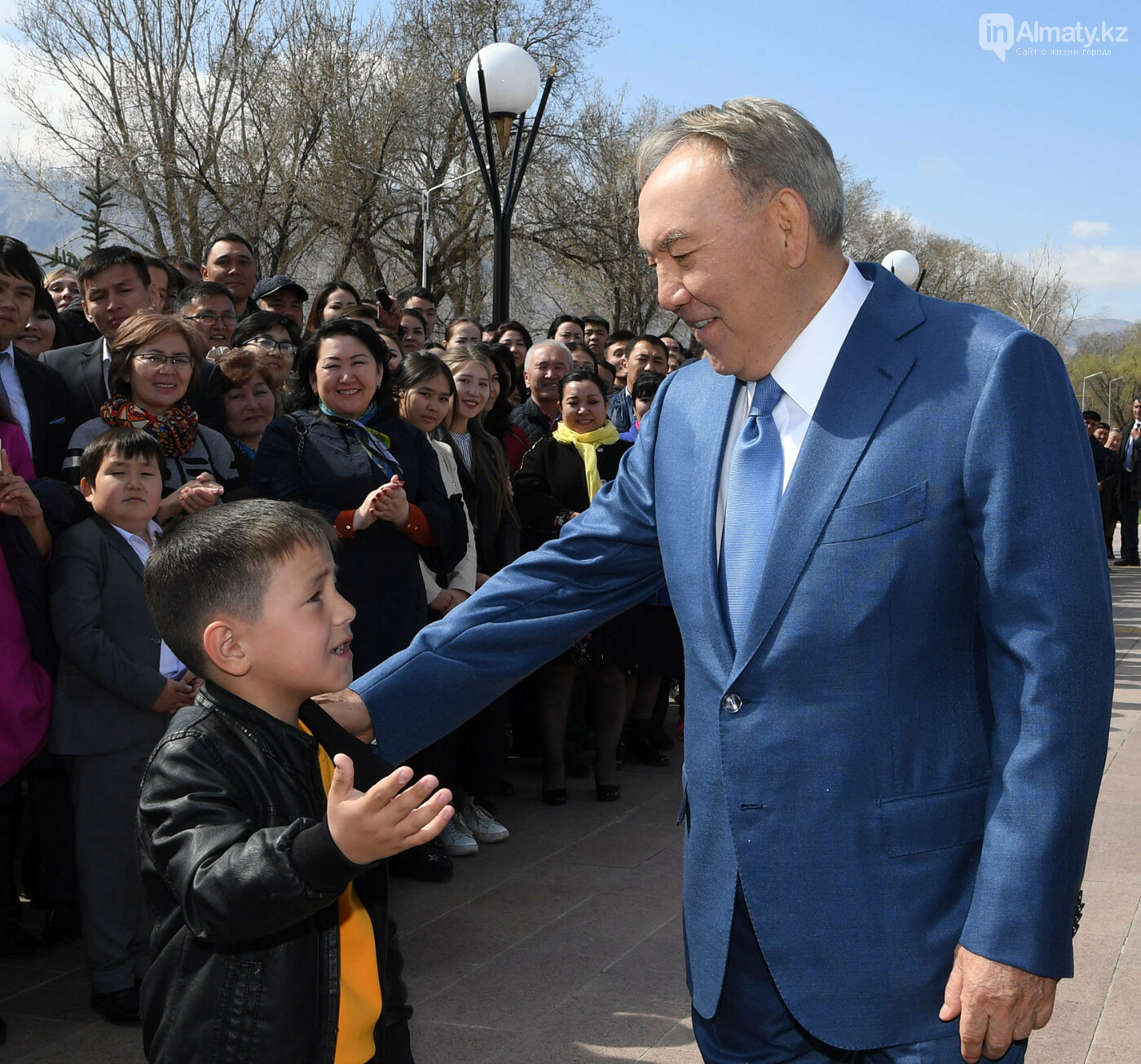 О чем разговаривал Назарбаев с жителями Шамалгана, фото-1