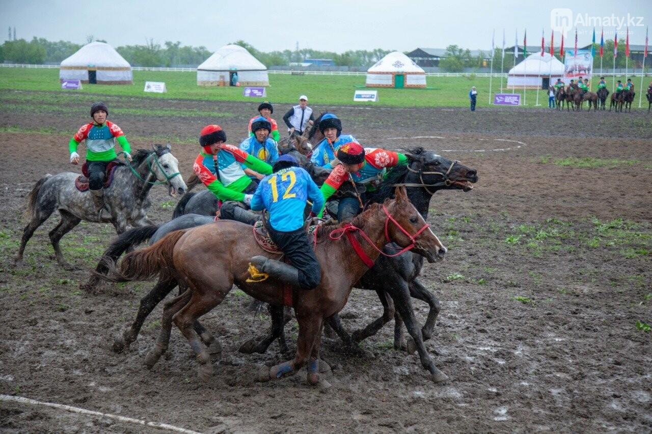 Наездники из 10 стран соревнуются на ипподроме близ Алматы (ФОТО, ВИДЕО), фото-3