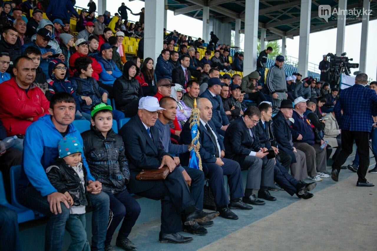 Наездники из 10 стран соревнуются на ипподроме близ Алматы (ФОТО, ВИДЕО), фото-7