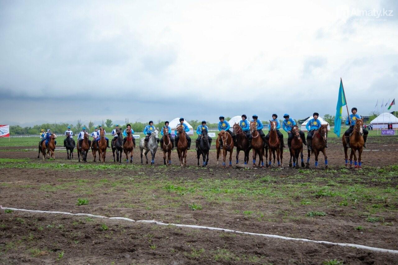 Наездники из 10 стран соревнуются на ипподроме близ Алматы (ФОТО, ВИДЕО), фото-6