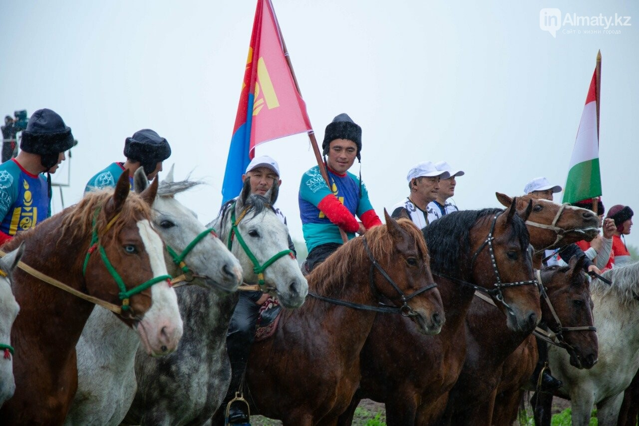 Наездники из 10 стран соревнуются на ипподроме близ Алматы (ФОТО, ВИДЕО), фото-10
