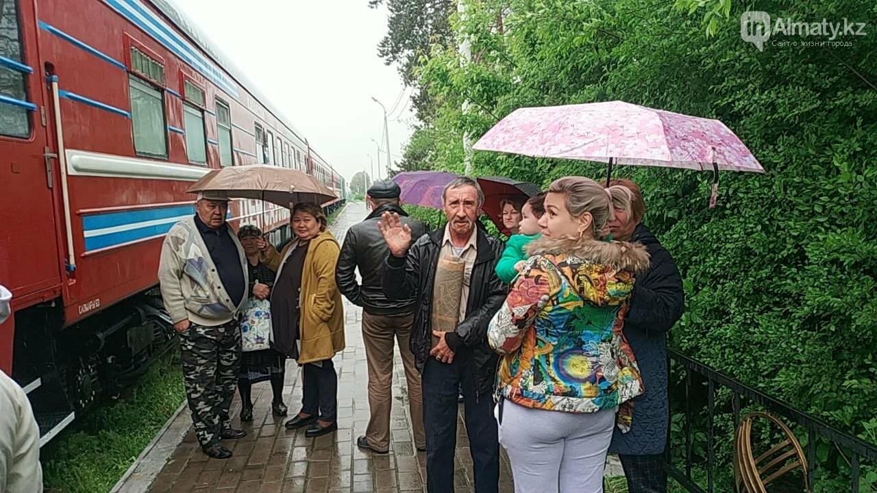 """Порядка 200 сельчан посетили """"Поезд здоровья""""  близ Алматы (ФОТО), фото-4"""