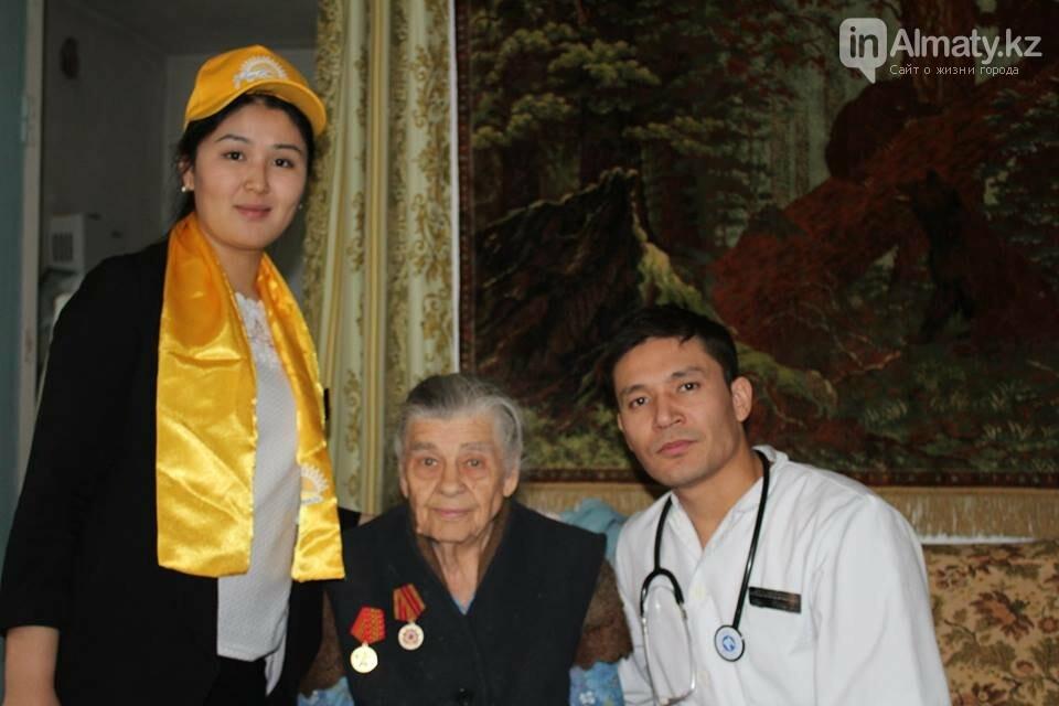 Алматинские врачи обследовали ветеранов на дому (ФОТО), фото-3