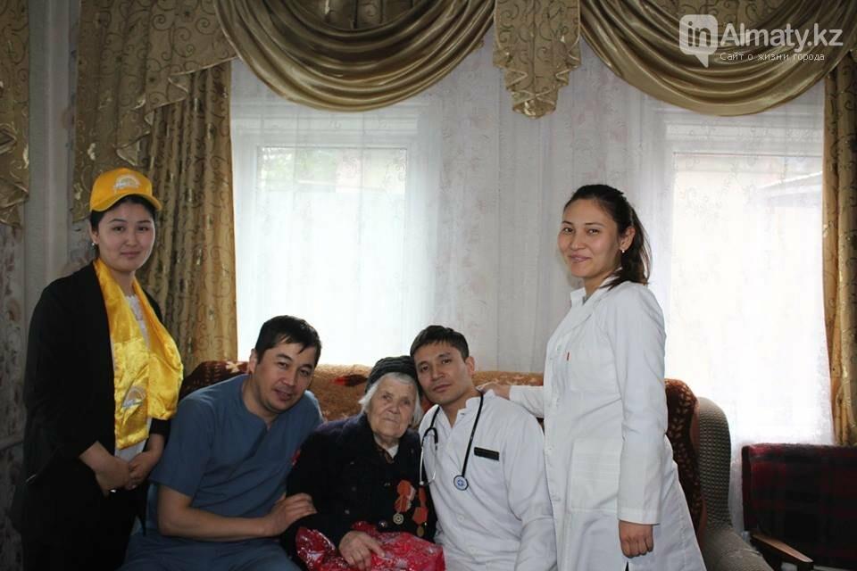 Алматинские врачи обследовали ветеранов на дому (ФОТО), фото-8