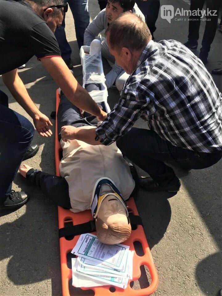 Водителей автобусов и полицейских Алматы учат оказывать первую помощь при ДТП, фото-2