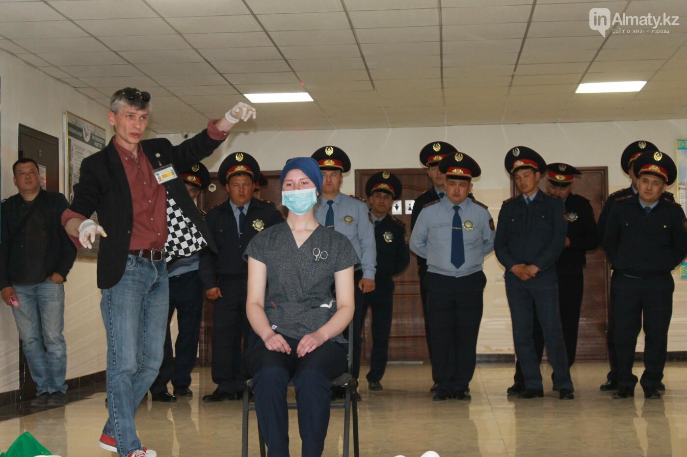 Водителей автобусов и полицейских Алматы учат оказывать первую помощь при ДТП, фото-9