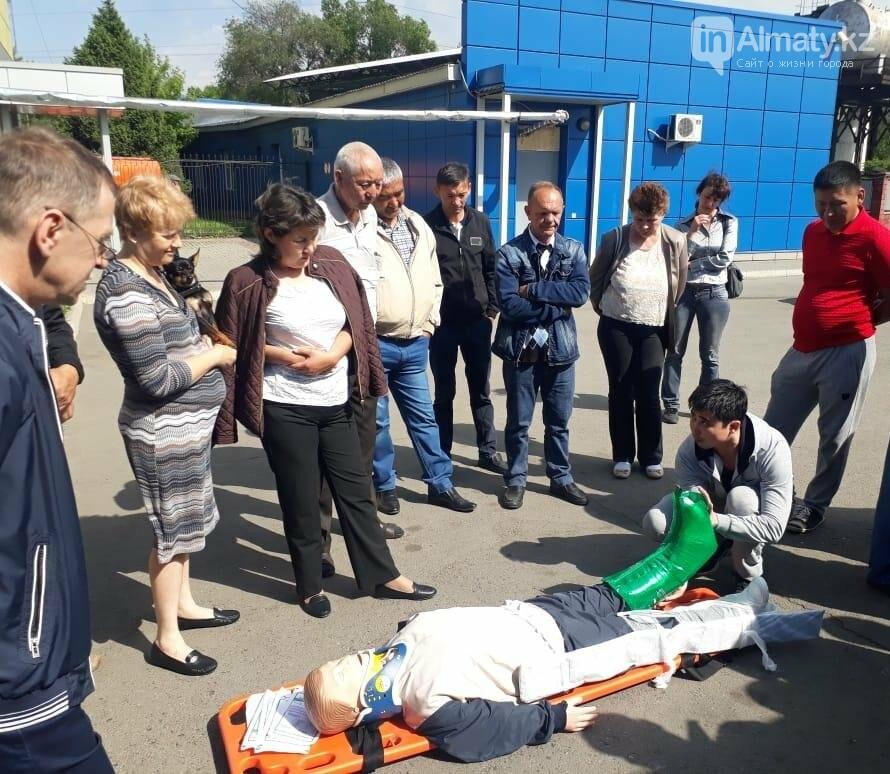 Водителей автобусов и полицейских Алматы учат оказывать первую помощь при ДТП, фото-5