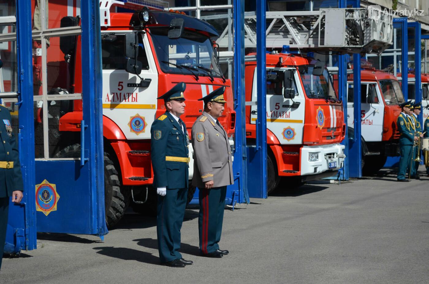 В Алматы почтили память пожарных героически погибших 30 лет назад , фото-9