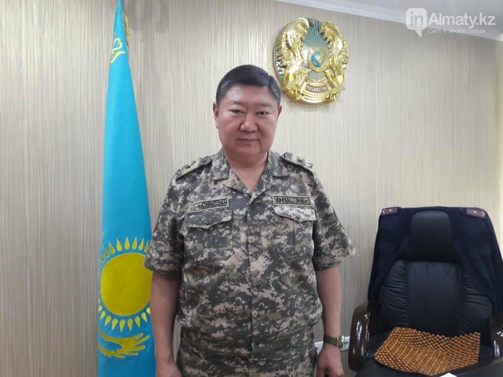 ДЧС Алматы: С 1 июля пожарным увеличат зарплаты, фото-1