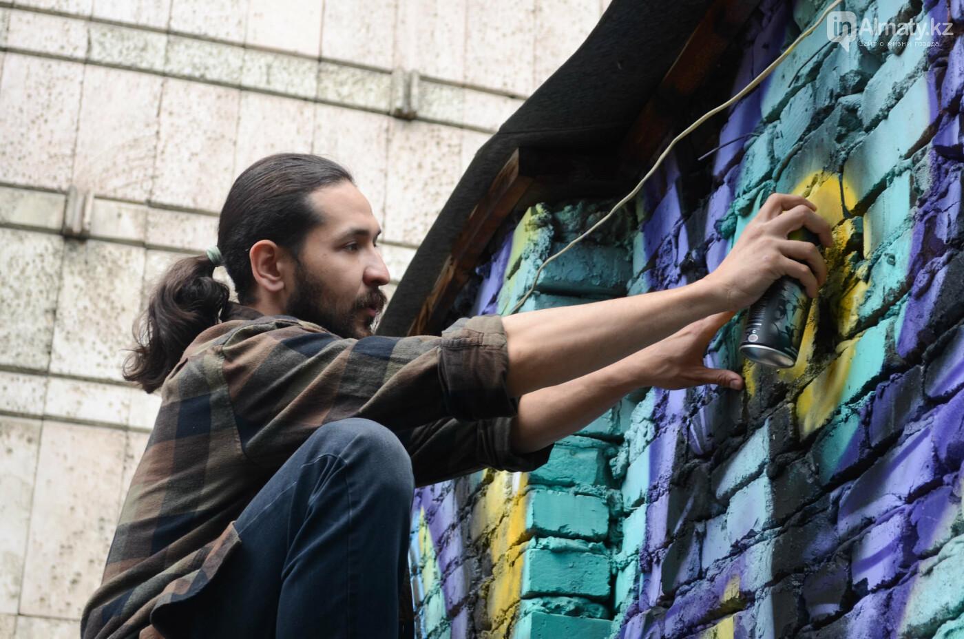 «Рисовать на фасаде бывает страшно»: художник Мухит Дулу о работе на фестивале муралов, фото-8