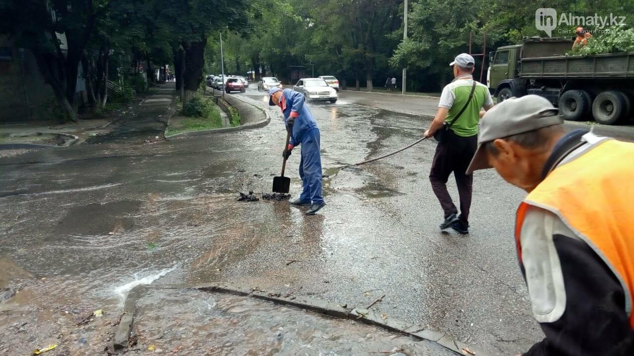Алматы вновь затопило после дождя (фото), фото-3