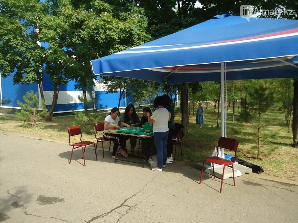На Аллее журналистов в Алматы высадили яблони (фото), фото-2