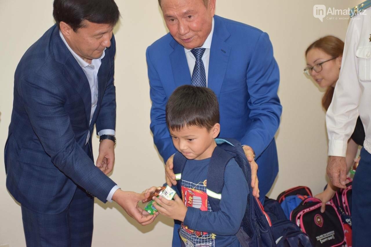 Совет Мира и Согласия РК помог 55 алматинским детям пойти в школу (фото), фото-1