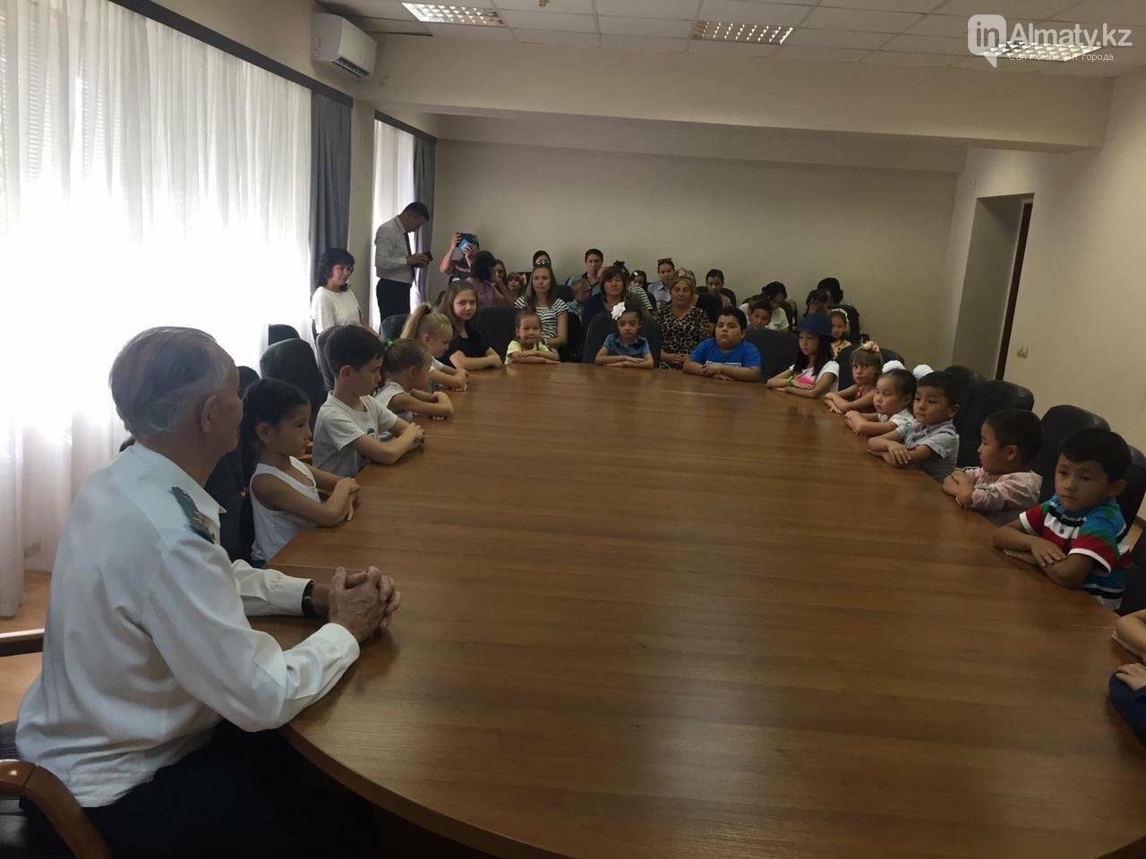 Совет Мира и Согласия РК помог 55 алматинским детям пойти в школу (фото), фото-2