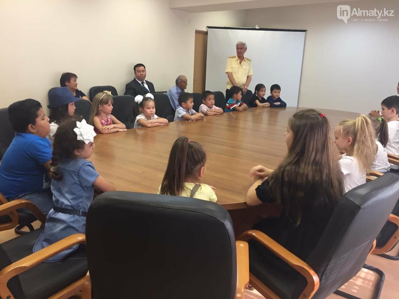 Совет Мира и Согласия РК помог 55 алматинским детям пойти в школу (фото), фото-3