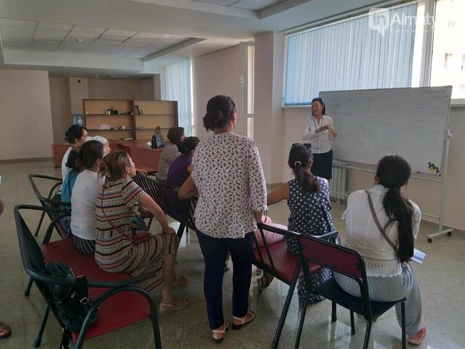 Профессиональная швея бесплатно обучает многодетных в Алматы, фото-9