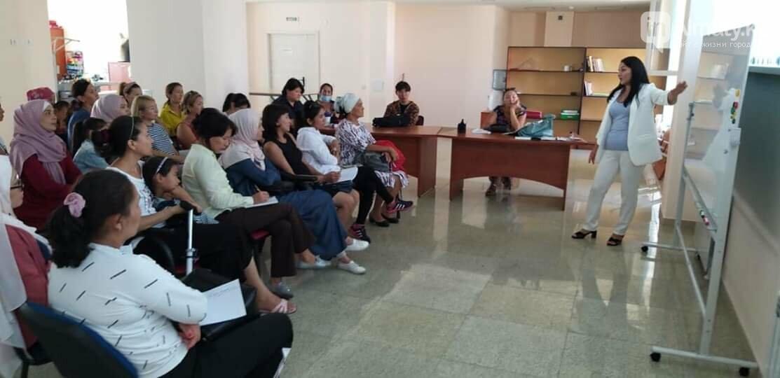 Профессиональная швея бесплатно обучает многодетных в Алматы, фото-7