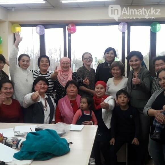 Профессиональная швея бесплатно обучает многодетных в Алматы, фото-1