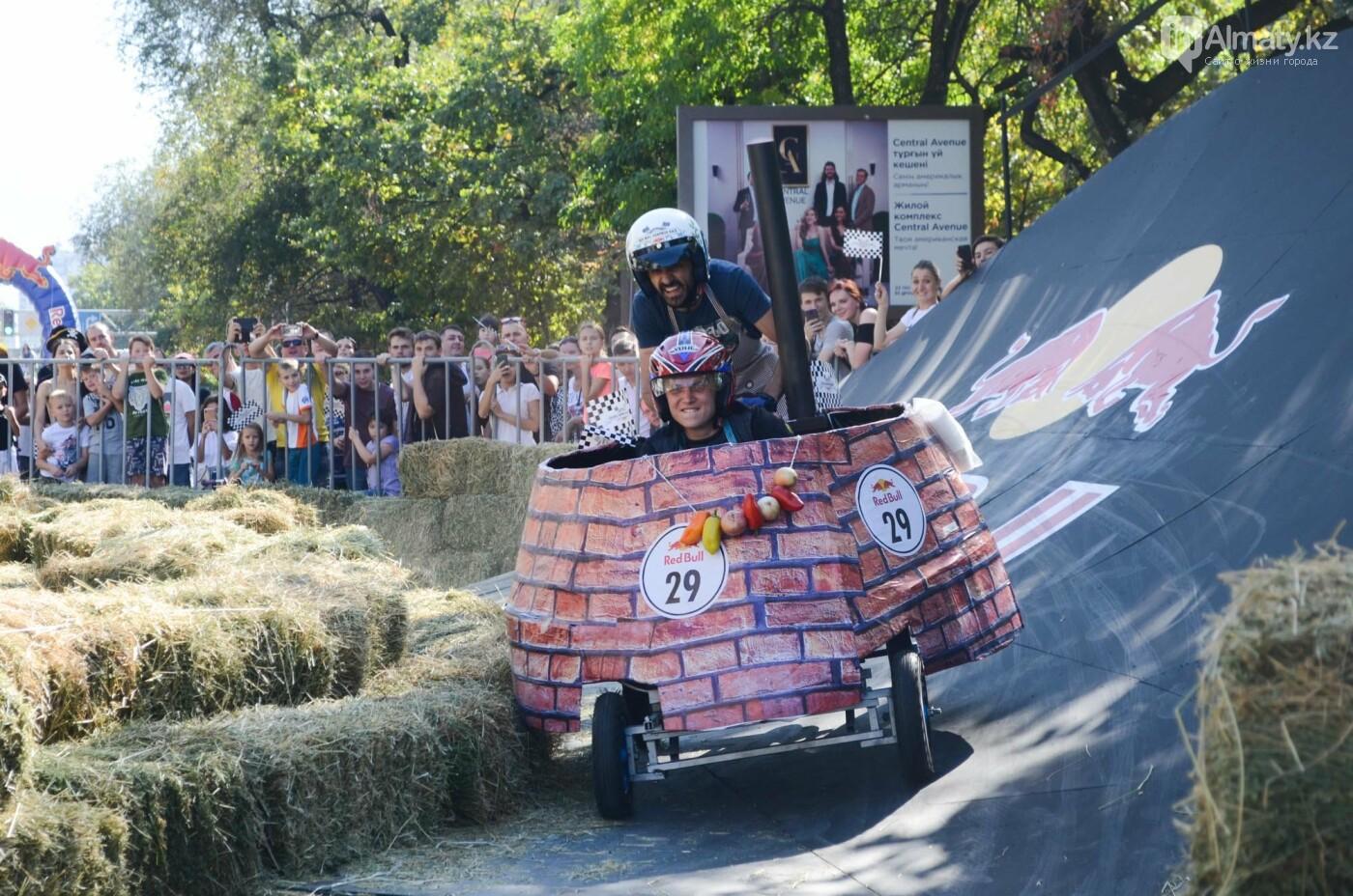 Как в Алматы прошла гонка самодельных болидов Red Bull Soapbox Race (фото), фото-7