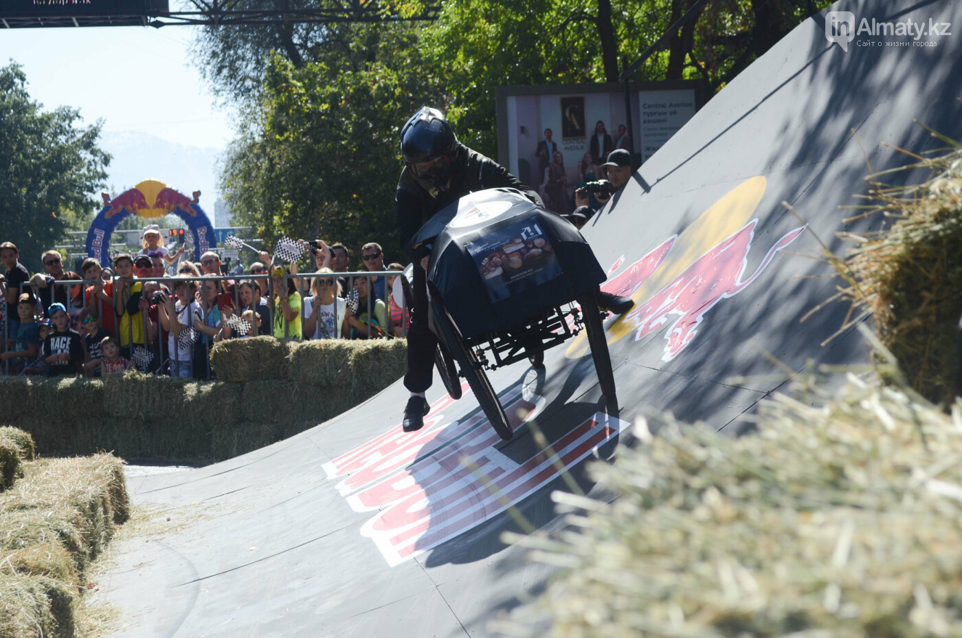 Как в Алматы прошла гонка самодельных болидов Red Bull Soapbox Race (фото), фото-6