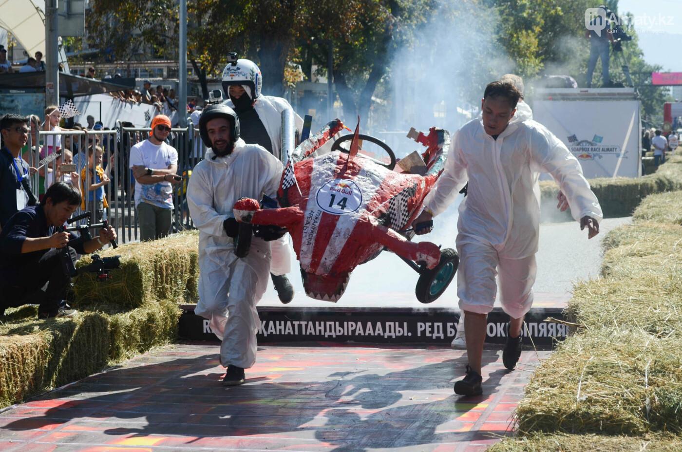 Как в Алматы прошла гонка самодельных болидов Red Bull Soapbox Race (фото), фото-14