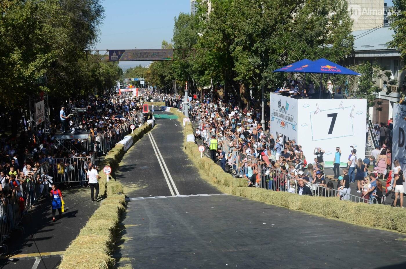 Как в Алматы прошла гонка самодельных болидов Red Bull Soapbox Race (фото), фото-2