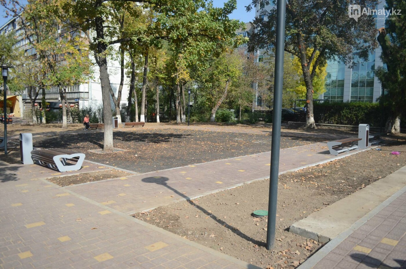 Как изменилась пешеходная часть проспекта Достык в Алматы (фото), фото-1