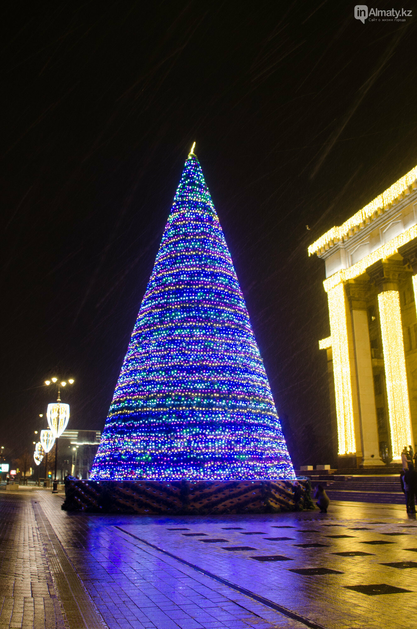 Как украшен центр Алматы к Новому году (фото), фото-34