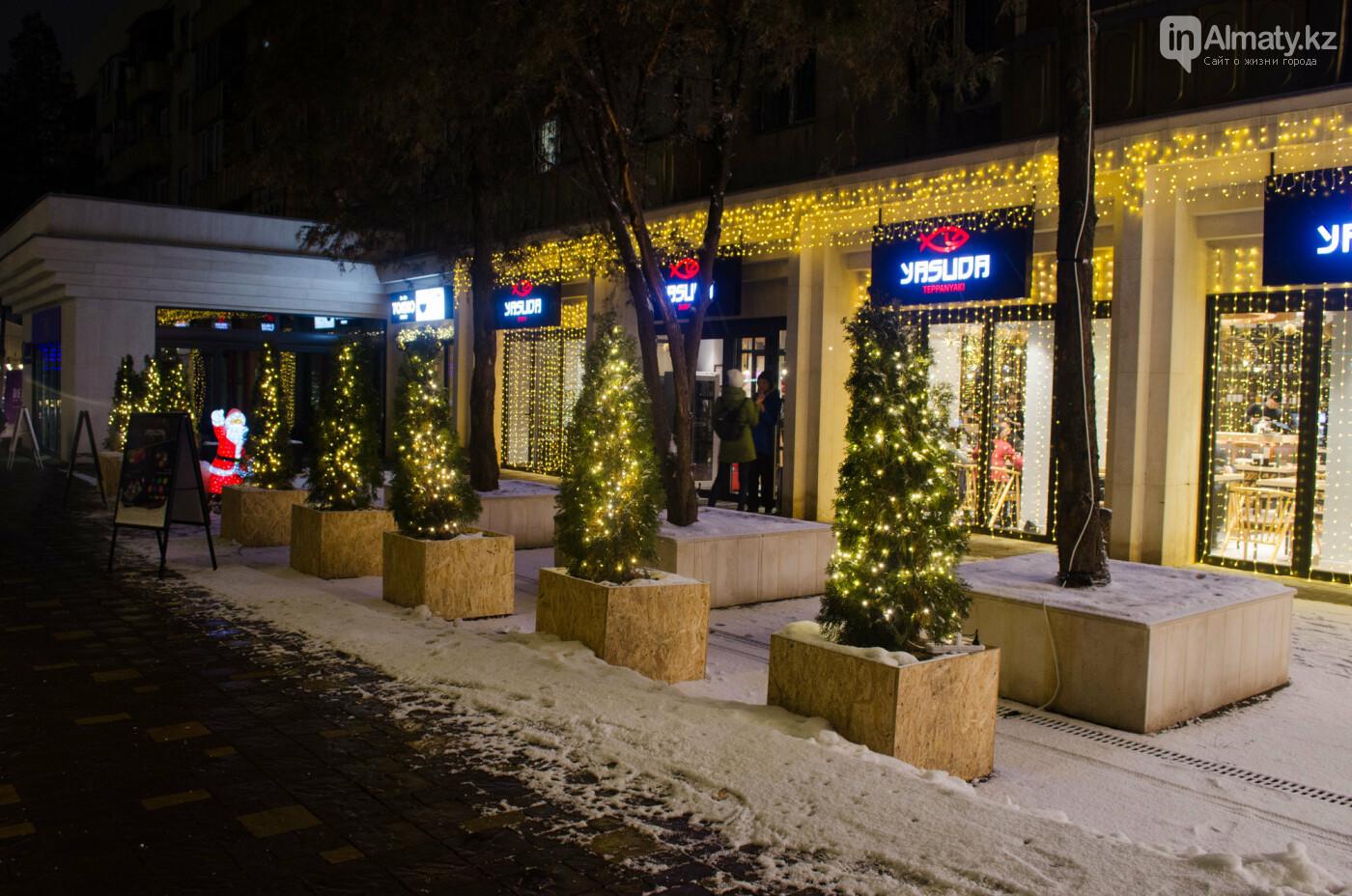 Как украшен центр Алматы к Новому году (фото), фото-26