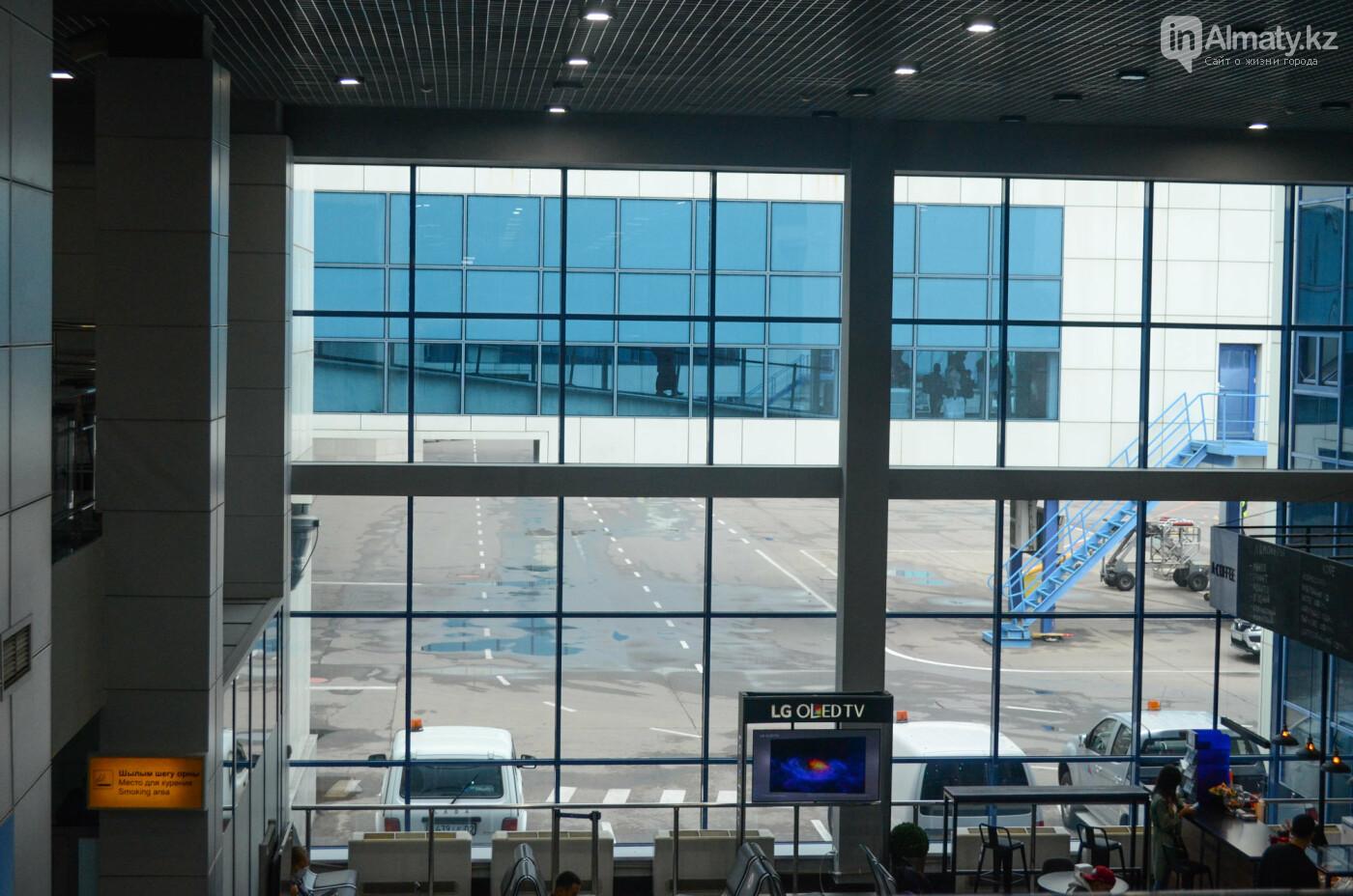 Как работает Международный аэропорт в Алматы в условиях карантина. Фото, фото-14
