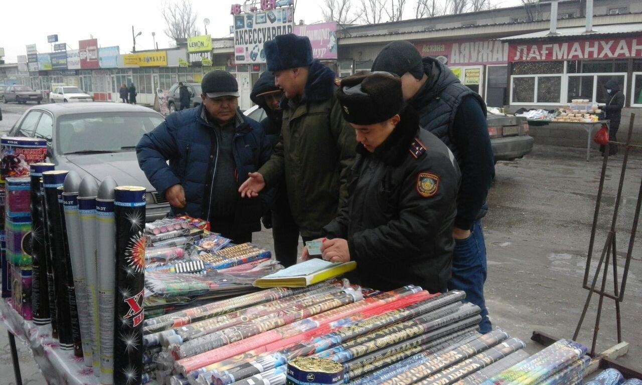 В Алматы изъяли около 3 тонн контрафактной пиротехники, фото-1