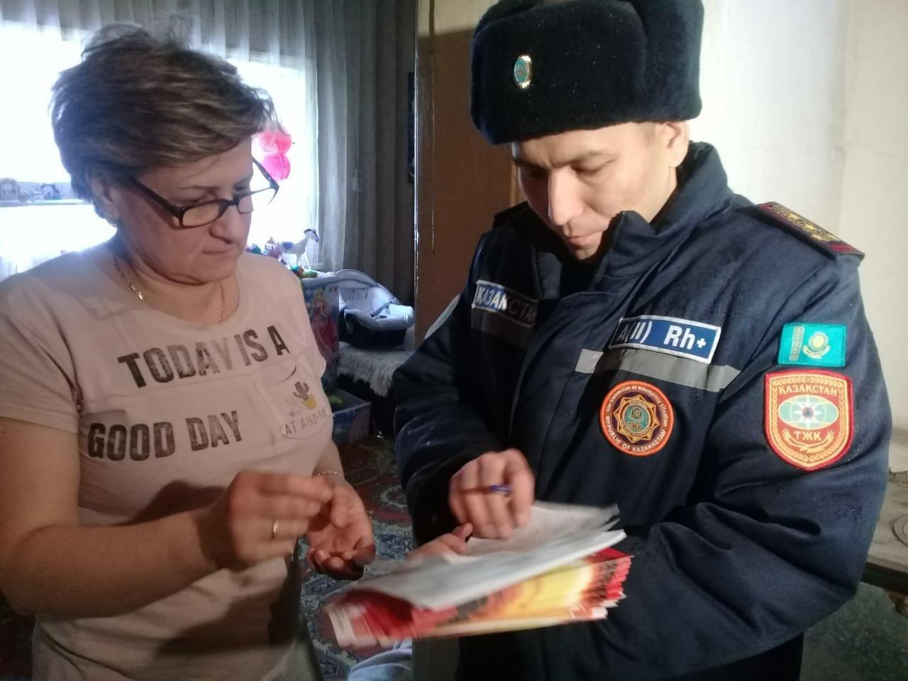 За выходные спасатели Алматы обошли более 11 тысяч домов, фото-3
