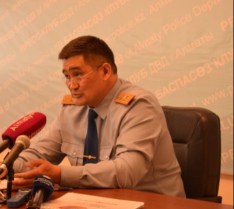 Более 40 полицейских искали автозеркала Дмитрия Баландина, фото-1