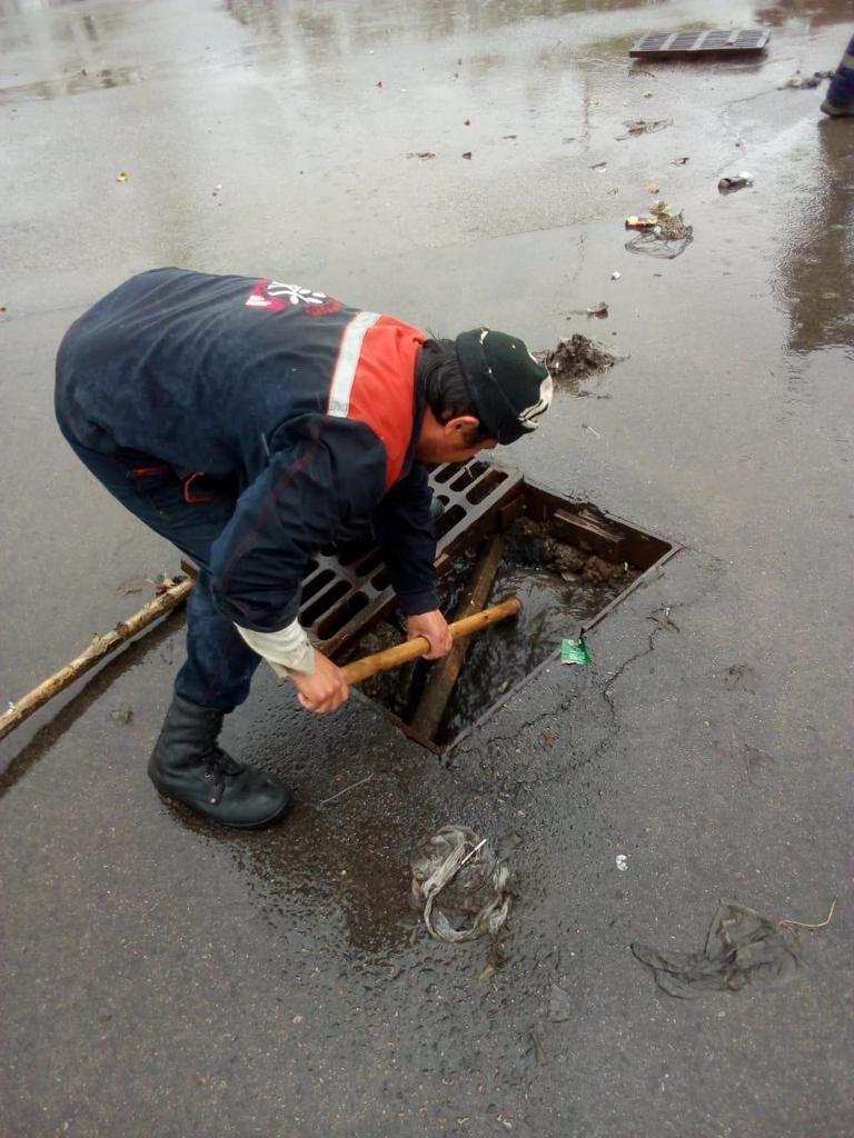 500 человек ликвидируют последствия подтоплений в Алматы (ФОТО), фото-10