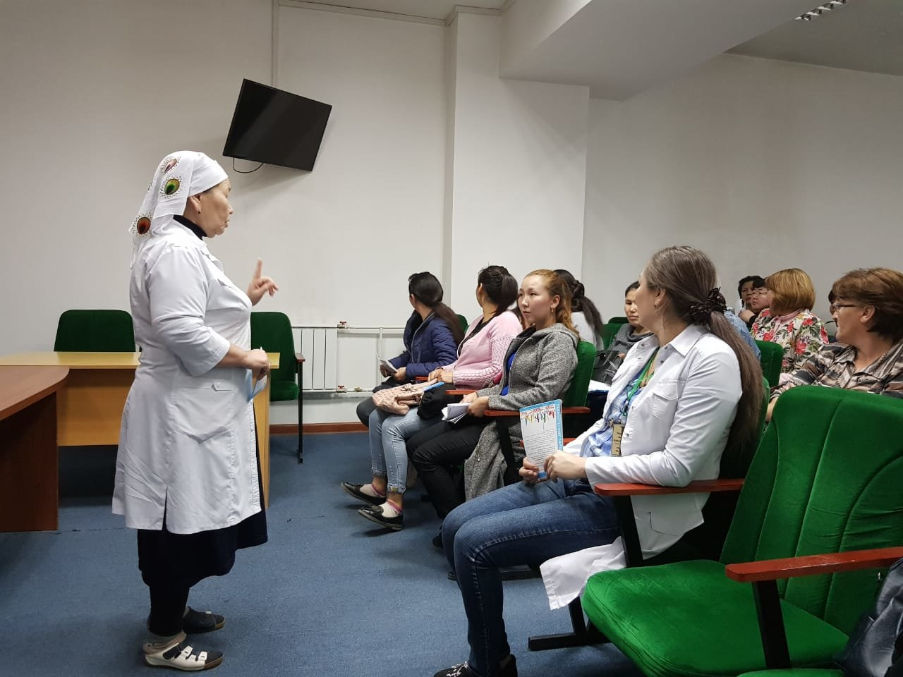 В больнице Енбекшиказахского района врачи провели флэш-моб, фото-2
