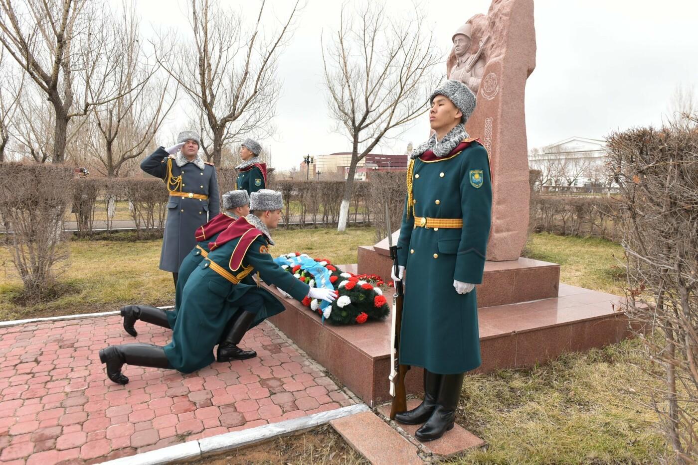 В Казахстане снимут фильм и сериал о подвиге военнослужащих республики, фото-1