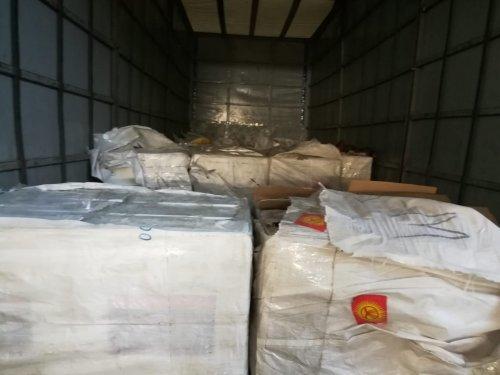Контрабандиста с 400 тысячами пачек сигарет задержали в Кордае (ФОТО), фото-2