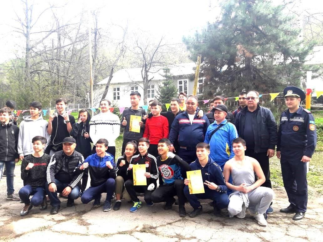 Алматинские школьники соревнуются на звание лучшего спасателя (ФОТО), фото-11