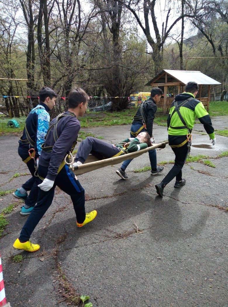Алматинские школьники соревнуются на звание лучшего спасателя (ФОТО), фото-4