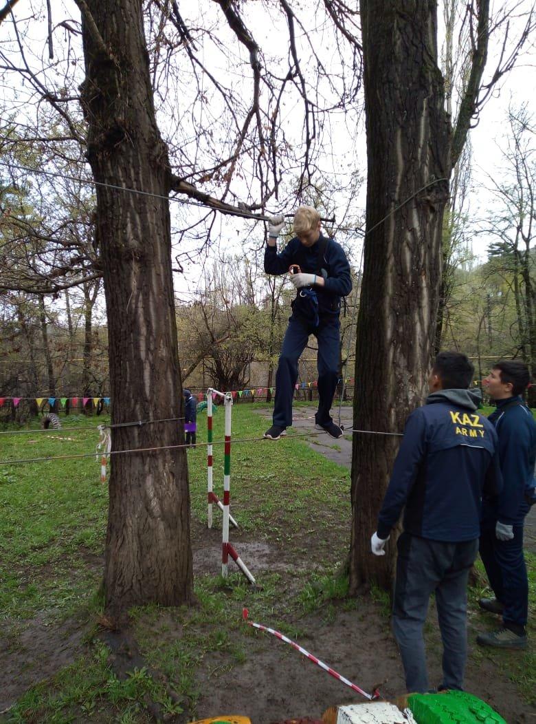 Алматинские школьники соревнуются на звание лучшего спасателя (ФОТО), фото-8