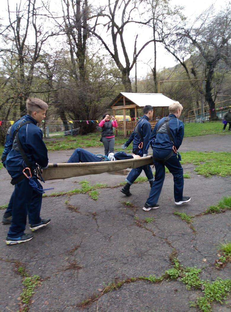 Алматинские школьники соревнуются на звание лучшего спасателя (ФОТО), фото-9