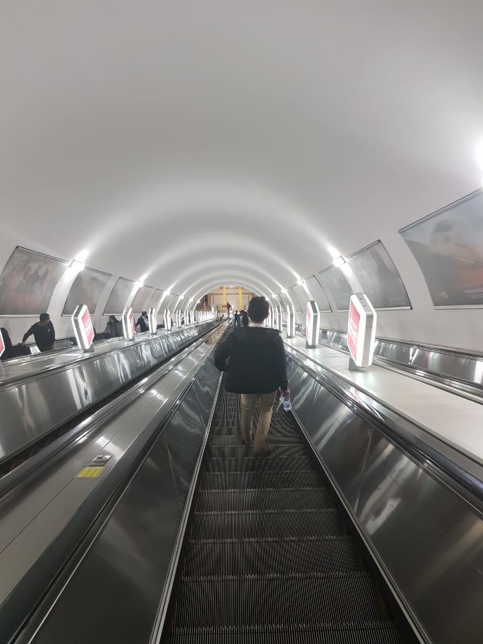 В Алматы на станции метрополитена «Абай» открыли турникет честности (ФОТО), фото-7