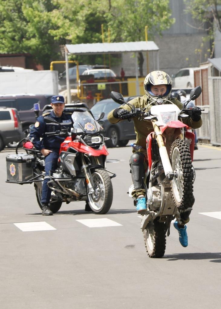 Алматинские мотопожарные участвовали в пробеге байкеров по мегаполису (ФОТО), фото-3