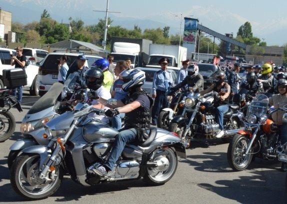 Алматинские мотопожарные участвовали в пробеге байкеров по мегаполису (ФОТО), фото-2