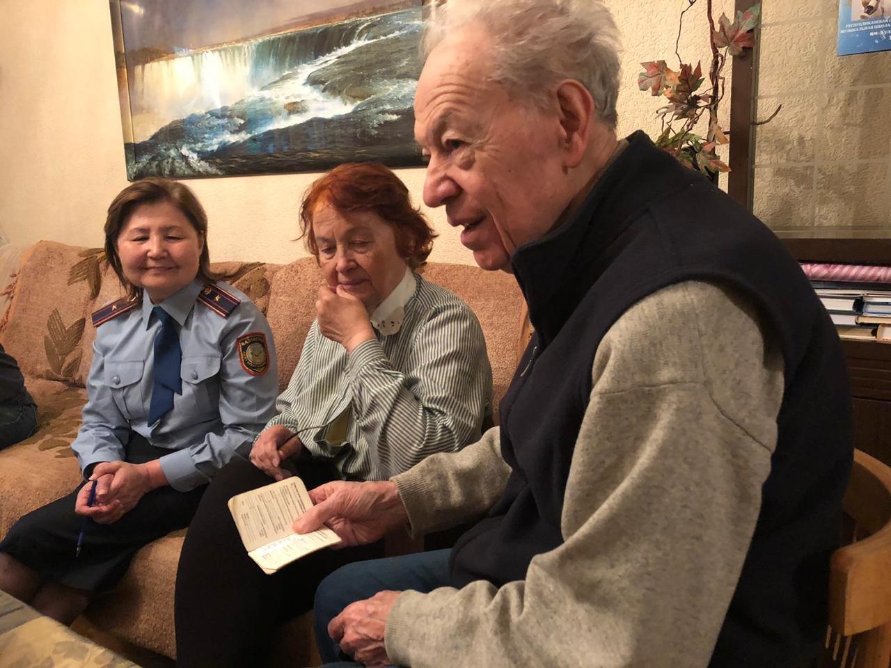 В Алматы ветерану возвратили утерянное пенсионное удостоверение (ФОТО), фото-6
