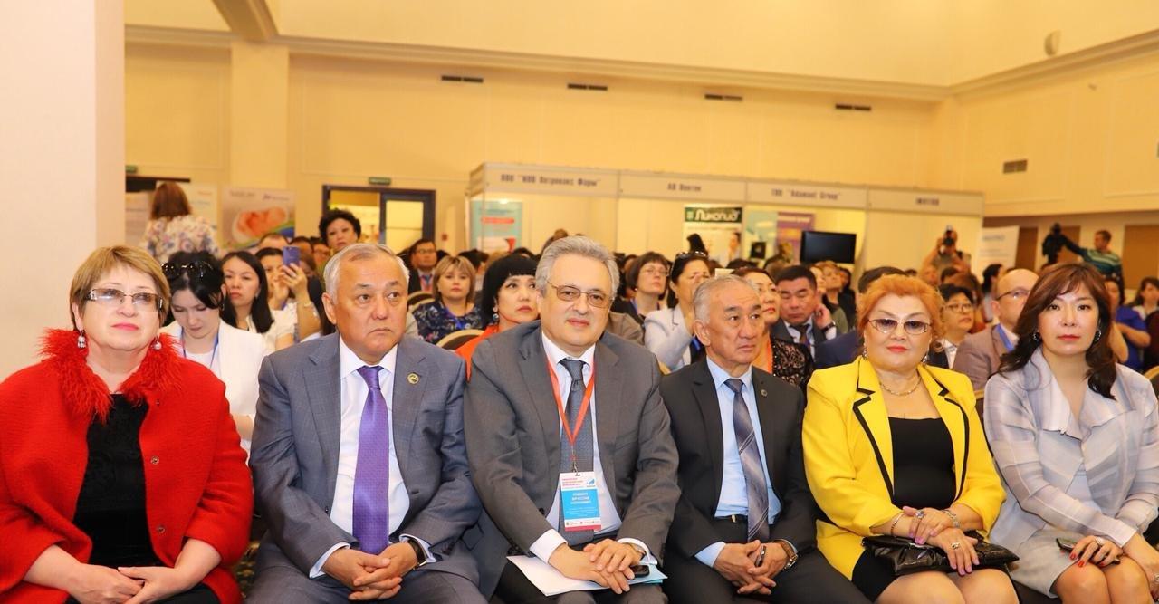 В Алматы состоялся международный медицинский форум «Ана мен бала» (ФОТО), фото-5