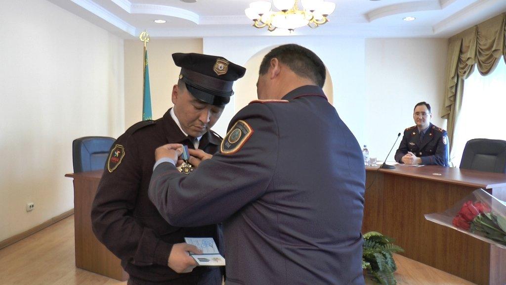 В Алматы наградили задержавших педофила охранников (ФОТО), фото-6