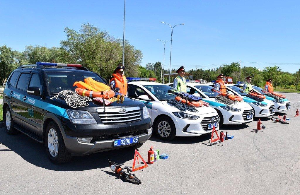 Полицейских Алматинской области облачили в спасательные жилеты и им вручили веревку (ФОТО), фото-2