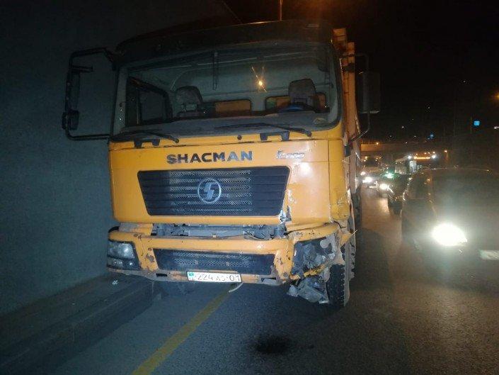 Китайский самосвал протаранил несколько авто в Алматы (ФОТО), фото-1